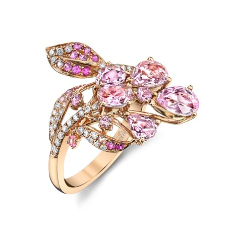 Ring in 18k rose gold with 2.61 cts. t.w. pink sapphires and 0.21 ct. t.w. diamonds,